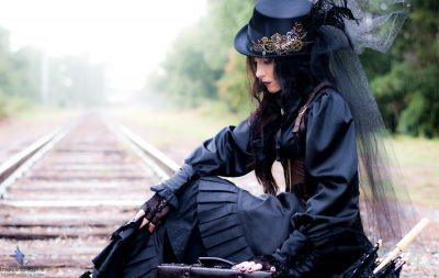 Maldovan model Vero Nika in a Steampunk-themed Halloween shoot